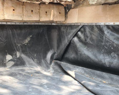 הדבקת יריעה לבריכת נוי מבטון